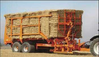 牧草運搬車におけるアーム角度制御