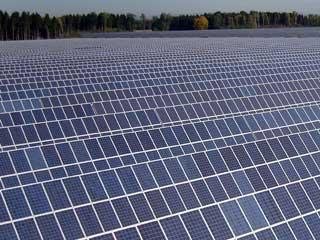 太陽光発電システムにおける太陽追尾制御